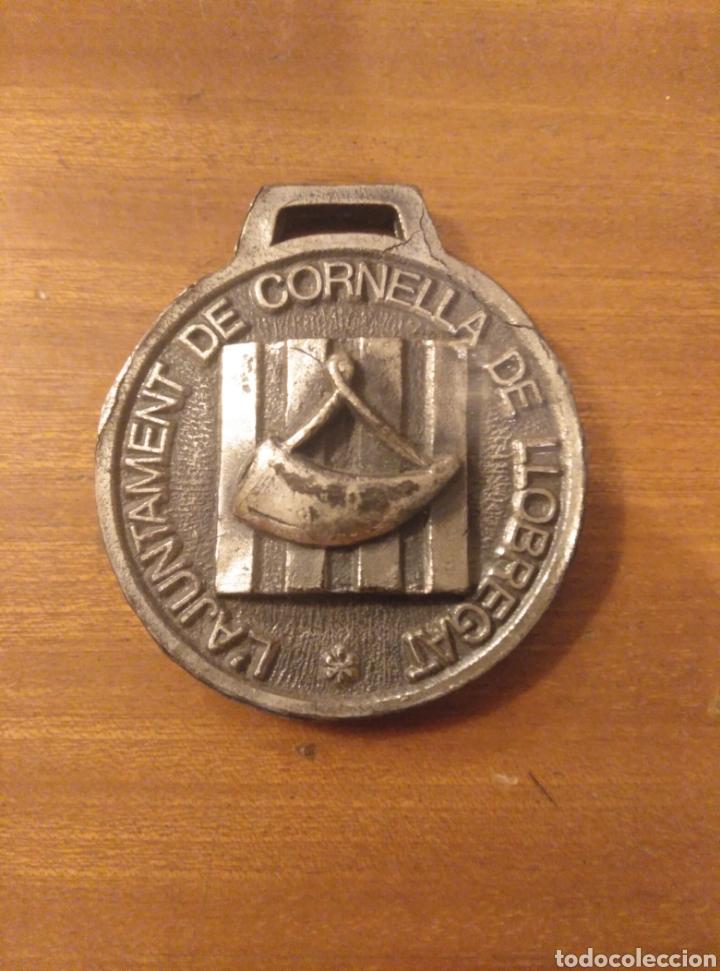MEDALLA METAL AJUNTAMENT CORNELLÀ DE LLOBREGAT DIÁMETRO 5 CM (Numismática - Medallería - Trofeos y Conmemorativas)