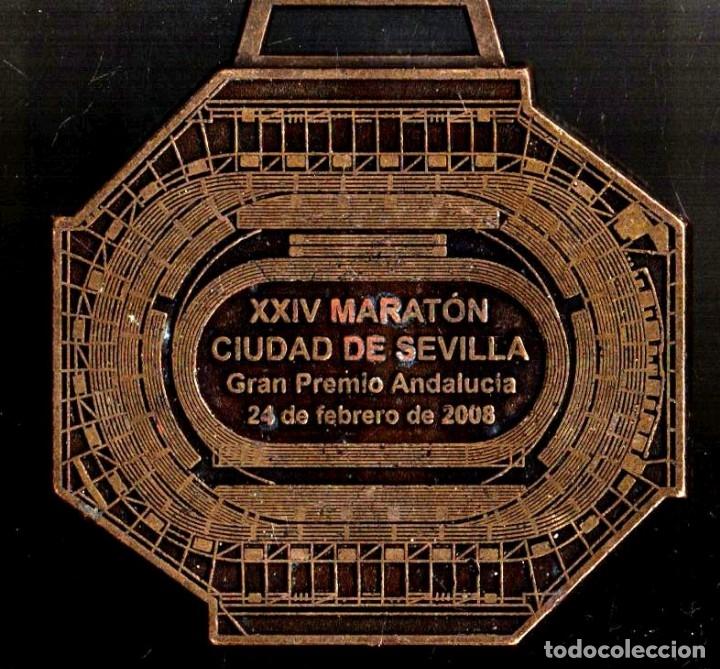 Trofeos y medallas: MEDALLA DEPORTIVA. XXIII MARATÓN CIUDAD DE SEVILLA. AYUNTAMIENTO DE SEVILLA. MEDALLA-070 - Foto 2 - 183308723
