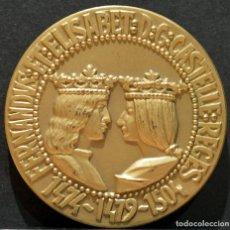 Trofeos y medallas: MEDALLA REYES CATOLICOS FERNANDO E ISABEL CALICO REYES DE ESPAÑA. Lote 160039830