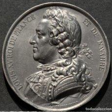 Trofeos y medallas: MEDALLA EN PLOMO LOUIS XV REY DE FRANCIA Y DE NAVARRA (1715-1774) FIRMA CASQUE. Lote 188696725
