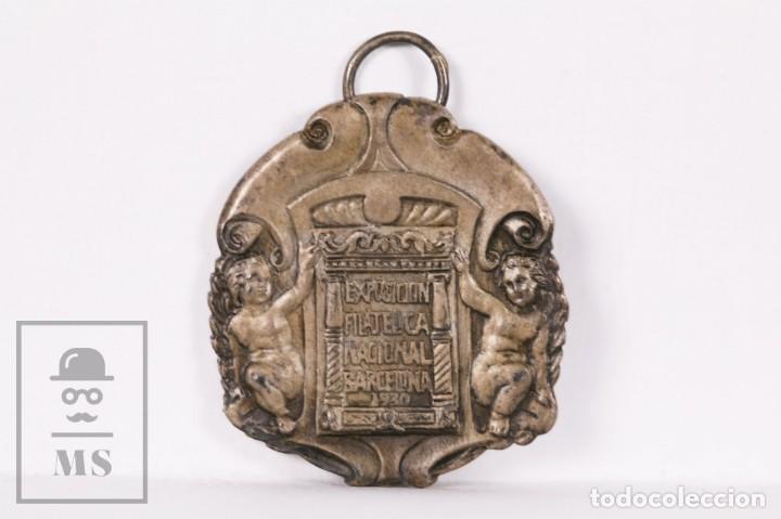 ANTIGUA MEDALLA DE PLATA EXPOSICIÓN FILATÉLICA NACIONAL. BARCELONA, 1930 - PEDRO MONGE, JURADO (Numismática - Medallería - Trofeos y Conmemorativas)