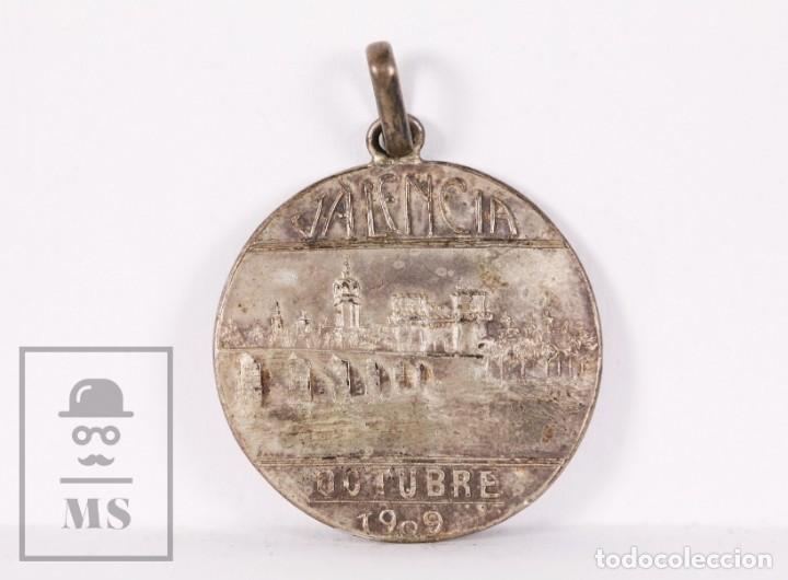 ANTIGUA MEDALLA DE PLATA - PRIMERA EXPOSICIÓN FILATÉLICA EN ESPAÑA - VALENCIA, OCTUBRE 1909 (Numismática - Medallería - Trofeos y Conmemorativas)