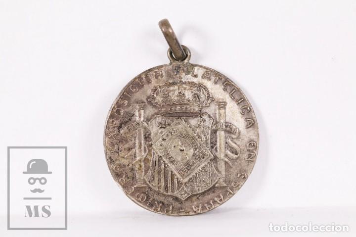 Trofeos y medallas: Antigua Medalla de Plata - Primera Exposición Filatélica en España - Valencia, Octubre 1909 - Foto 2 - 191183966