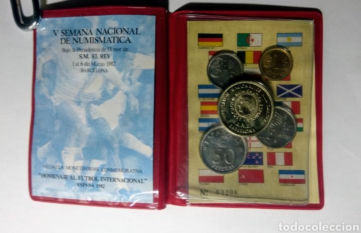Trofeos y medallas: 1982. Cartera A.N.E. V Semana Nacional Numismàtica. - Foto 3 - 192010935