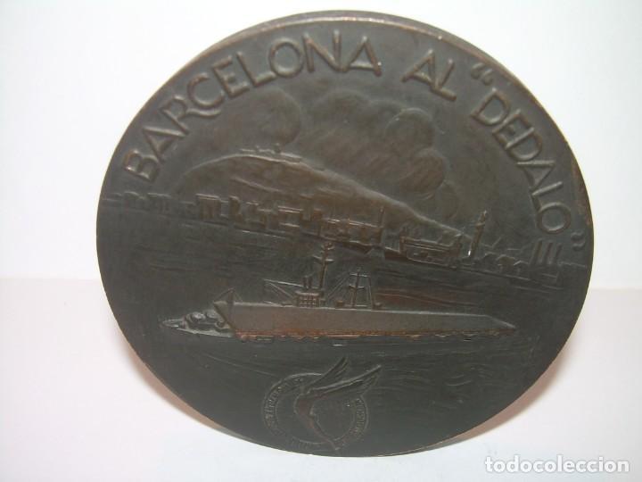 Trofeos y medallas: ANTIGUA MEDALLA.BARCELONA AL DEDALO ENTREGA DE LA BANDERA .PRIMER PORTAVIONES DE LA ARMADA ESPAÑOLA - Foto 2 - 193315536