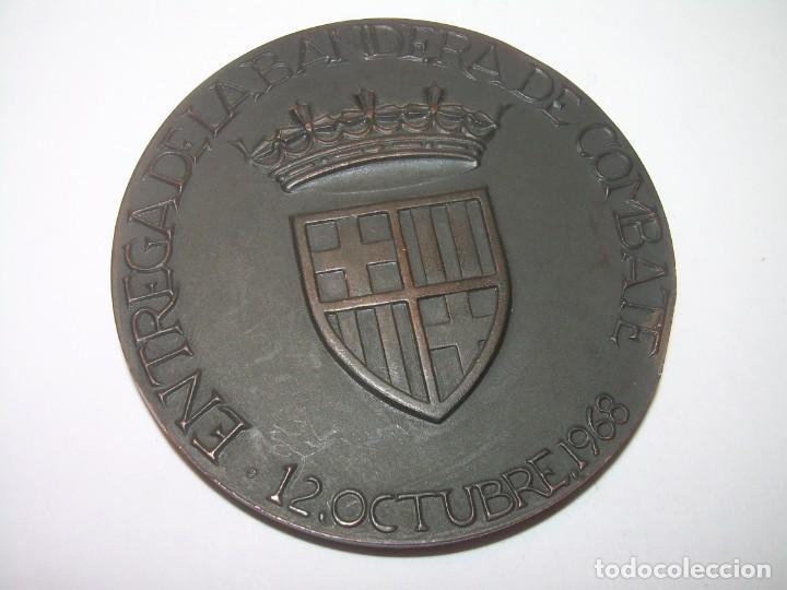 Trofeos y medallas: ANTIGUA MEDALLA.BARCELONA AL DEDALO ENTREGA DE LA BANDERA .PRIMER PORTAVIONES DE LA ARMADA ESPAÑOLA - Foto 10 - 193315536
