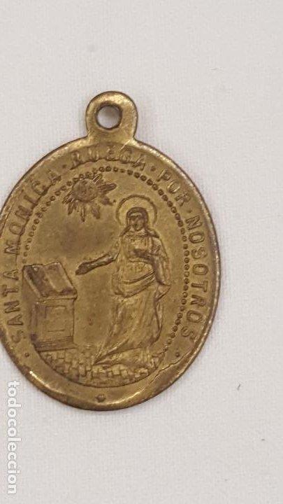 ANTIGUA MEDALLA SANTA MONICA Y NTRA. SRA. DE LA CONSOLACION PROTECTORA DE LAS ANIMAS. (Numismática - Medallería - Trofeos y Conmemorativas)