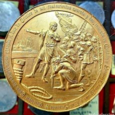 Trofeos y medallas: MEDALLA CRISTÓBAL COLÓN / 4° CENTENARIO DESCUBR AMÉRICA / 1892 / BRONCE DORADO/ 70MM/ 184,86 GRAMOS. Lote 194358001