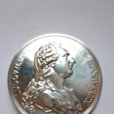 Trofeos y medallas: MEDALLA CONMEMORATIVA LUDOVICUS XVI FRANC. ET NAV.REX BRONCE PLATEADO. Lote 194527163