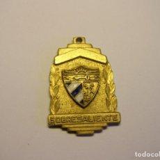 Trofeos y medallas: ANTIGUA MEDALLA ESCOLAR CUBANA. SOBRESALIENTE. ESMALTES AL FUEGO.. Lote 194588373