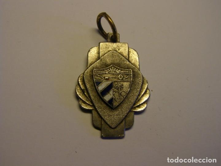 ANTIGUA MEDALLA ESCOLAR CUBANA. ESMALTES AL FUEGO. (Numismática - Medallería - Trofeos y Conmemorativas)