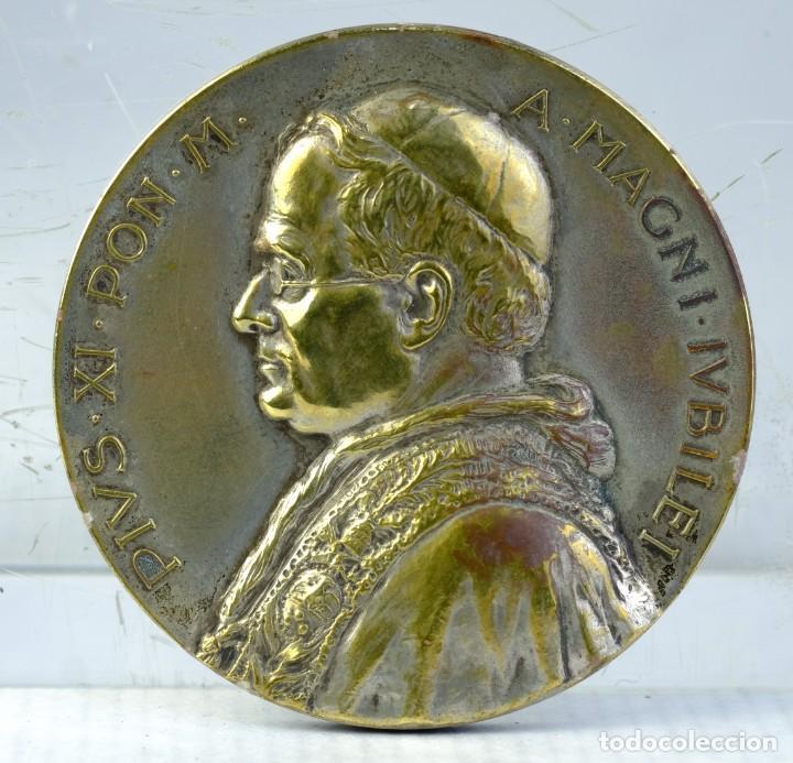 Trofeos y medallas: Medalla en plata PIUS.XI.PON.M A.MAGNI.IUBILEI - 1925 - 54 mm - 70 gr - Foto 2 - 194615250