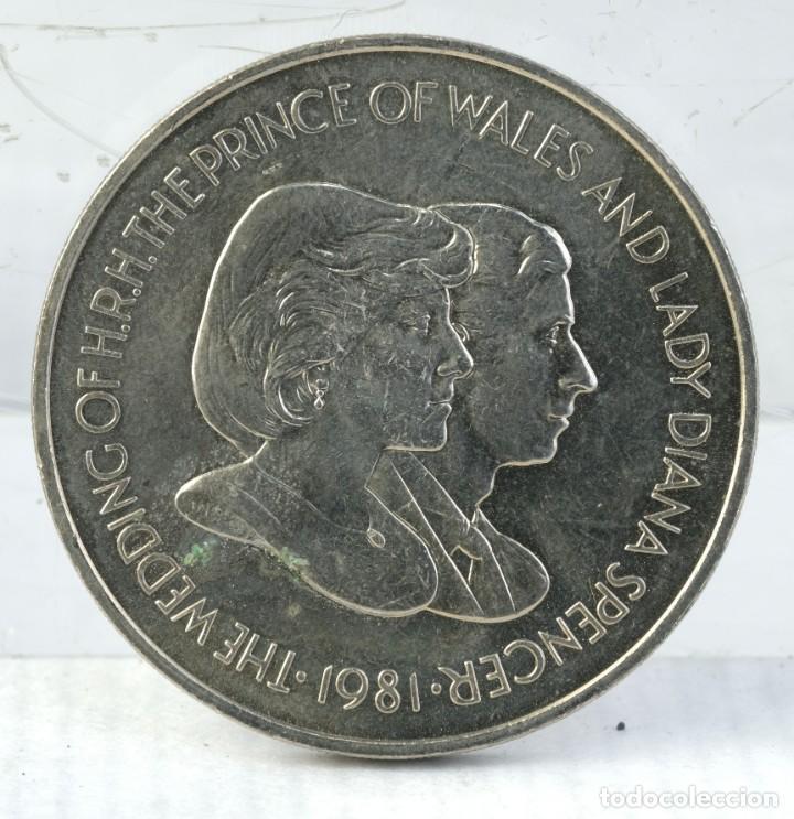 MEDALLA H.R.H.THE PRINCE OF WALES AND LADY DIANA SPENCER 1981 - 38 MM (Numismática - Medallería - Trofeos y Conmemorativas)