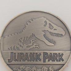 Trofeos y medallas: EXCLUSIVA MONEDA HOMENAJE A LA PELÍCULA DE JURASSIC PARK. Lote 194785633