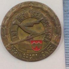 Trofeos y medallas: SPRINGERTOURNEE INT. BERG SPRINGEN. MEDALLA, INSIGNIA O PIN. ALEMANIA, . Lote 195467258
