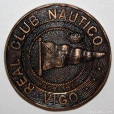 Trofeos y medallas: MEDALLA REALIZADA EN BRONCE DEL REAL CLUB NÁUTICO DE VIGO. CAMPEONATOS DE ESPAÑA. INVIERNO DEL 1977. Lote 197668547