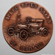 Trofeos y medallas: MEDALLA CONMEMORATIVA IV RALLYE APLEC DE LA SALUT. SABADELL, 12 MAYO DEL 1974. FIRMADO PUJOL. Lote 198082493