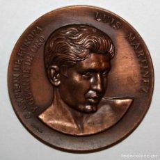 Trofeos y medallas: MEDALLA REPRESENTATIVA DEL BOXEADOR LUIS MARTINEZ (1925-2008). CLUB BOXEO SABADELL. FIRMADO PUJOL. Lote 198084975