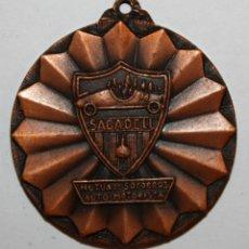 Trofeos y medallas: MEDALLA CONMEMORATIVA DEL 50º ANIVERSARIO MUTUA SOCORROS AUTO-MOTORISTA SABADELL (1924-1974). Lote 198116146