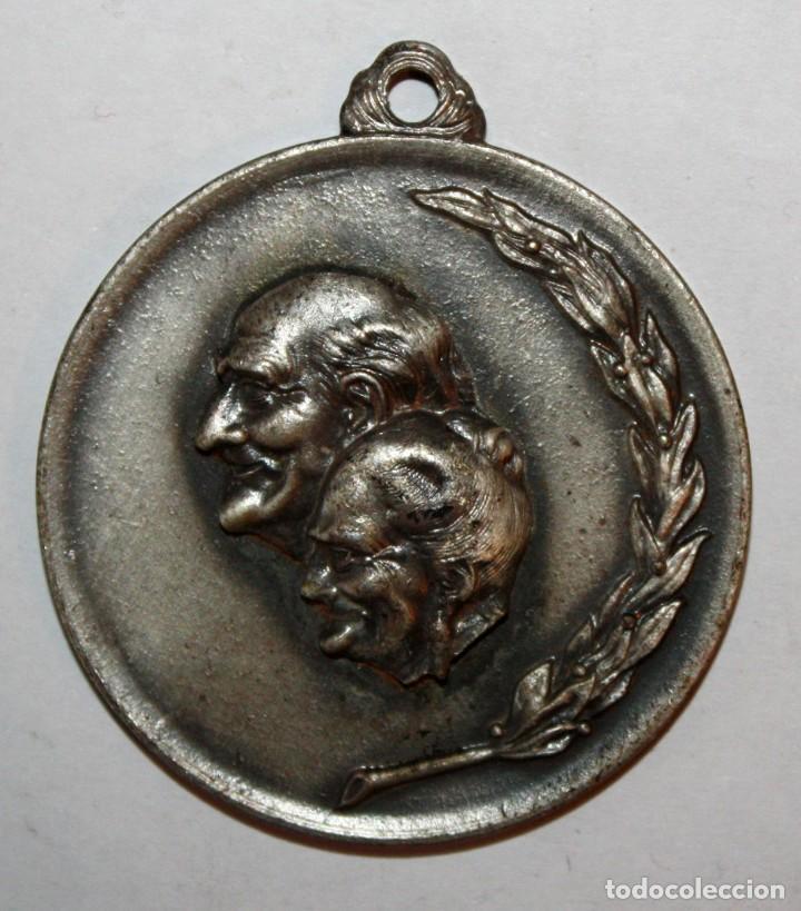 MEDALLA EN METAL. SACYV. CAMPAÑA PRO ARTISTA NECESITADO. SABADELL (1972) (Numismática - Medallería - Trofeos y Conmemorativas)