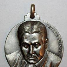 Trofeos y medallas: MEDALLA CONMEMORATIVA CONCURSO INTERNACIONAL DE PINTURA SITGES (1973). ISIDRE NONELL. FIRMADO PUJOL. Lote 198711507