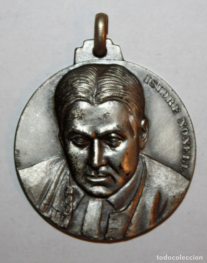 MEDALLA CONMEMORATIVA CONCURSO INTERNACIONAL DE PINTURA SITGES (1973). ISIDRE NONELL. FIRMADO PUJOL (Numismática - Medallería - Trofeos y Conmemorativas)