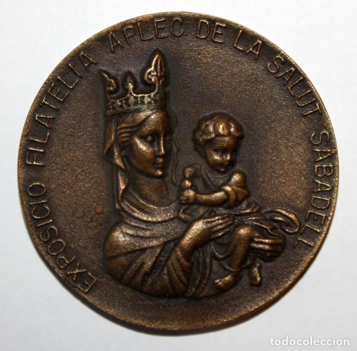 MEDALLA CONMEMORATIVA EXPOSICIO FILATELIA APLEC DE LA SALUT SABADELL. III CONCURS INFANTIL (1973) (Numismática - Medallería - Trofeos y Conmemorativas)