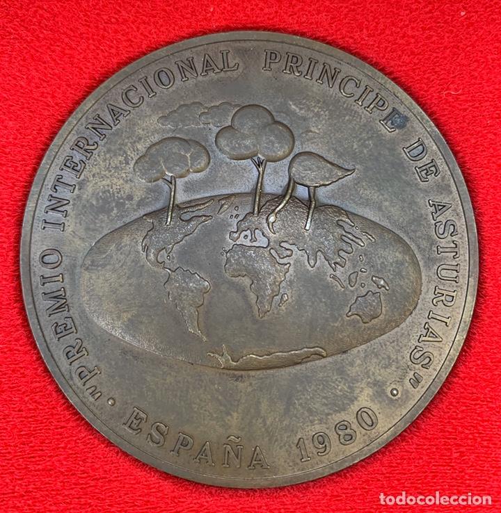 Trofeos y medallas: RARA MEDALLA ORIGINAL PREMIO PRINCIPE DE ASTURIAS 1980 AÑO DE SU FUNDACION EN SU CAJA - Foto 2 - 200632741