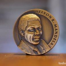 Trofeos y medallas: MEDALLA NELSON MANDELA 1994. Lote 207734718