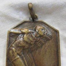 Trofeos y medallas: MEDALLA NATACIÓN ART DECÓ. FIRMADA POR JOSEP ANTONI HOMS. (1897 - 1969). 3,5 X 2,6 CM. Lote 213577248
