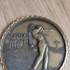 Trofeos y medallas: MEDALLA DE 9 CM DE DIAMETRO, ENTREGADA EN CAMPO DE GOLF DE SOTOGRANDE, BRONCE?. Lote 213990380