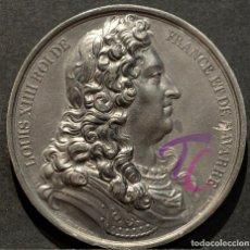 Trofeos y medallas: MEDALLA EN PLOMO LOUIS XIV REY DE FRANCIA Y DE NAVARRA (1643-1715) FIRMA CASQUE. Lote 188697883