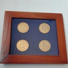 Trofeos y medallas: CUADRO CON 4 MEDALLAS/MONEDAS COMNEMORATIVAS ENLACES CASA REAL. Lote 232642675