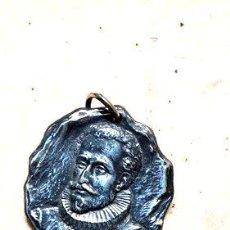 Trofeos y medallas: ANTIGUA MEDALLA CENTENARIO DE EL QUIJOTE 1905 GOTTUZZO. Lote 244250415