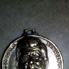Trofeos y medallas: MEDALLA KENNEDY 1963. Lote 244396035