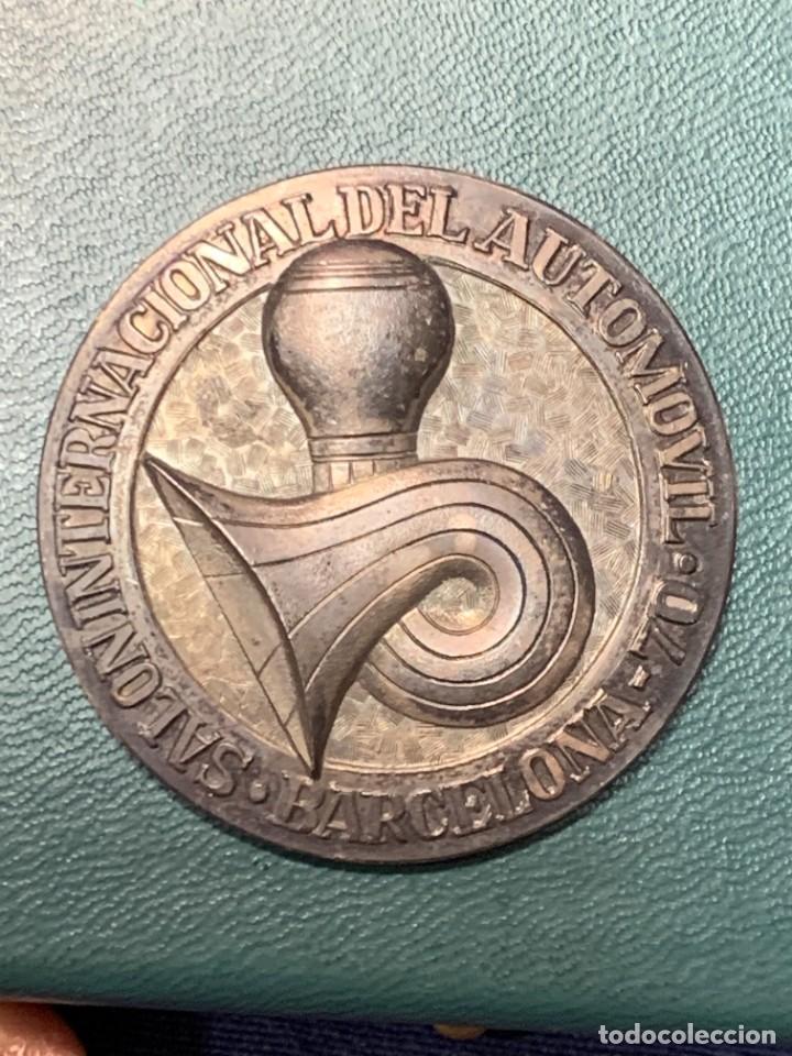 MEDALLA PLATA 916/000 SALON INTERNACIONAL AUTOMOVIL BARCELONA 1970 ESTUCHE 5 CMS (Numismática - Medallería - Trofeos y Conmemorativas)