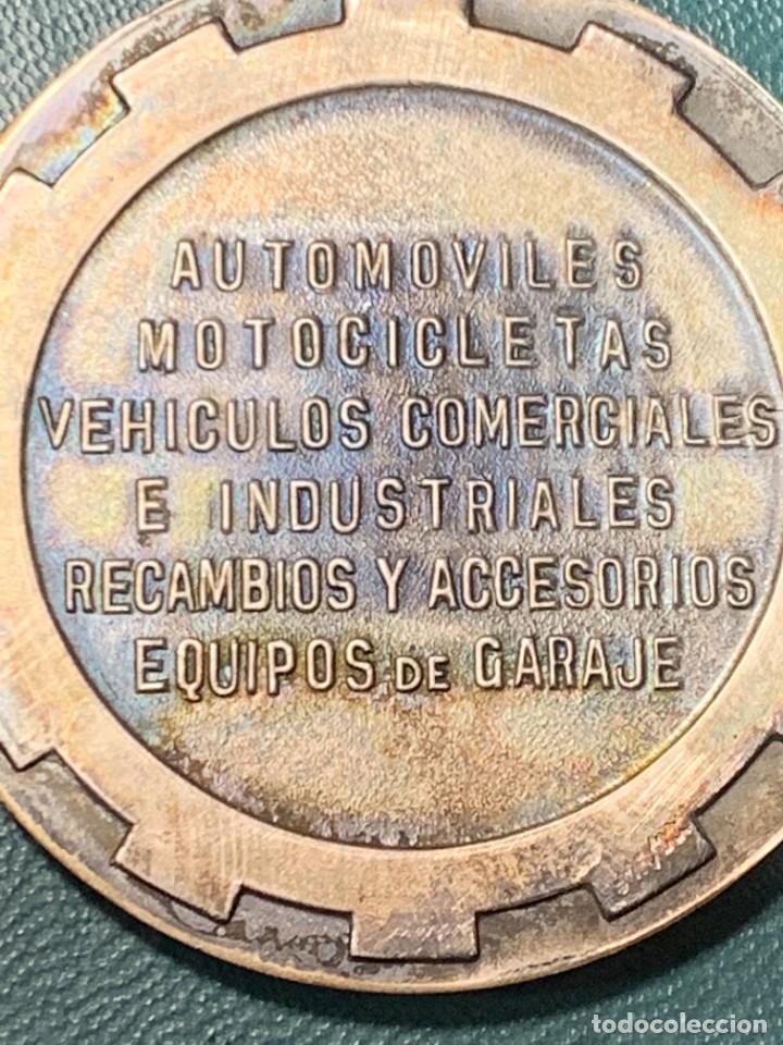 Trofeos y medallas: medalla PLATA 916/000 SALON INTERNACIONAL AUTOMOVIL BARCELONA 1970 ESTUCHE 5 cms - Foto 3 - 246150125