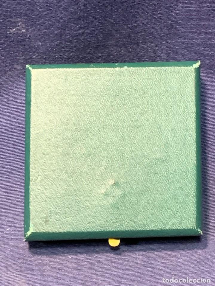 Trofeos y medallas: medalla PLATA 916/000 SALON INTERNACIONAL AUTOMOVIL BARCELONA 1970 ESTUCHE 5 cms - Foto 9 - 246150125