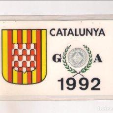 Trofeos y medallas: TARJETA CON EL ESCUDO DE GIRONA EN UNA MEDALLA DE PLATA CONMEMORATIVA A BARCELONA 92 (TAR18). Lote 255970890