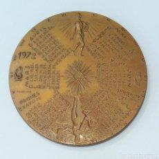 Trofeos y medallas: MEDALLA CONMEMORATIVA. CALENDARIO 1972. Lote 261821630