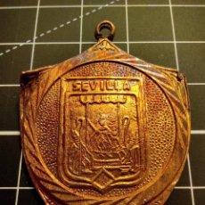 Trofeos y medallas: ANTIGUA MEDALLA CON ESCUDO DE SEVILLA (312). Lote 262308865