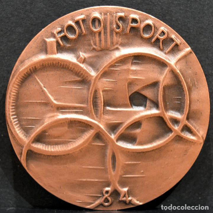 Trofeos y medallas: MEDALLA EN BRONCE PREMIO FOTOGRAFIA RAMON FERRAN 1984 REUS TARRAGONA - Foto 3 - 263158585