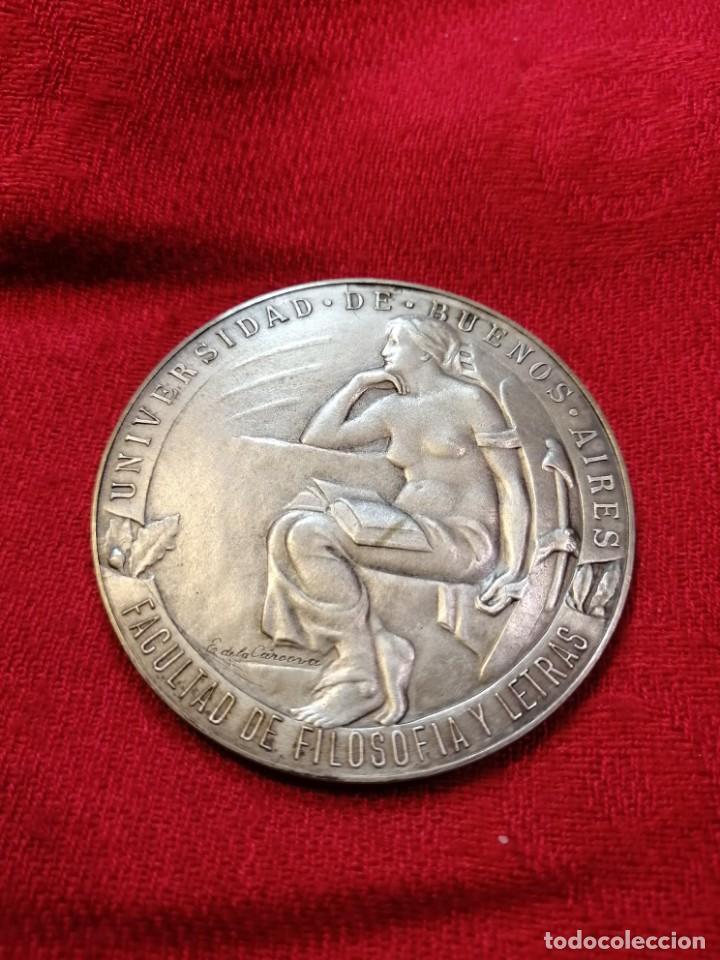 RARA MEDALLA CONMEMORATIVA 1924 FUNDACIÓN FAC. FILOSOFÍA DE LA UBA - ARGENTINA (Numismática - Medallería - Trofeos y Conmemorativas)