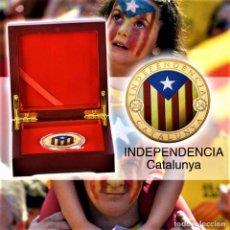 Trofei e Medaglie: MONEDA ORO INDEPENDIENCIA DE CATALUÑA 2014 GOLD PLATED EN CAJA + CERTIFICADO. Lote 267075944