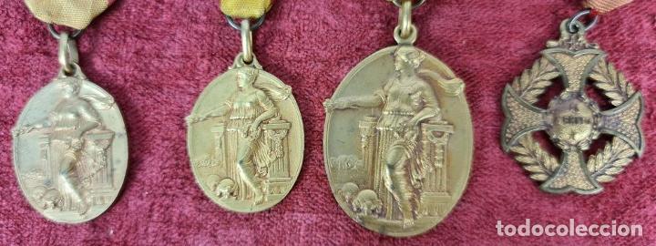 Trofeos y medallas: CONJUNTO DE MEDALLAS ACADEMIA CONDAL. METAL DORADO. AÑOS 50. - Foto 2 - 269782113