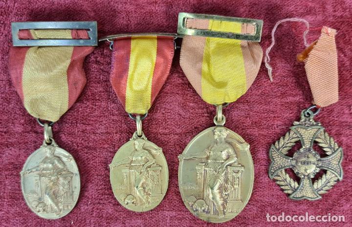 CONJUNTO DE MEDALLAS ACADEMIA CONDAL. METAL DORADO. AÑOS 50. (Numismática - Medallería - Trofeos y Conmemorativas)