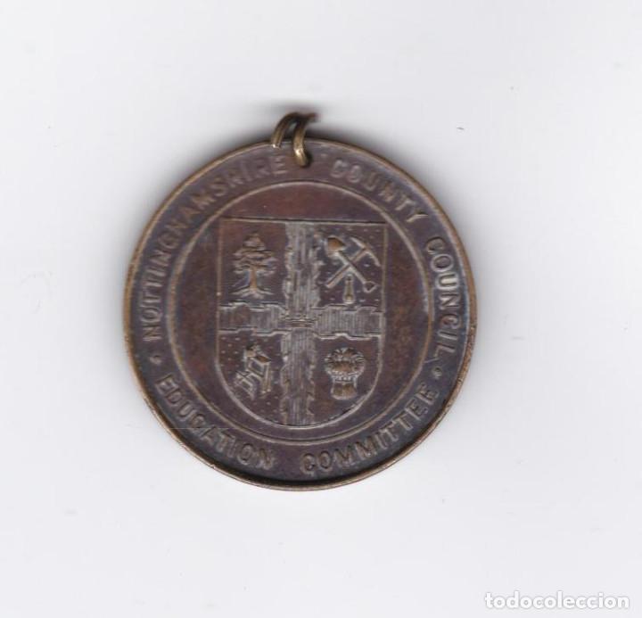 Trofeos y medallas: MEDALLA INGLESA-GEORGE V-MARY-1910/1935-NOTTINGHAMSHIRE COUNTY COUNCIL EDUCATION COMMITTE - Foto 2 - 288500068