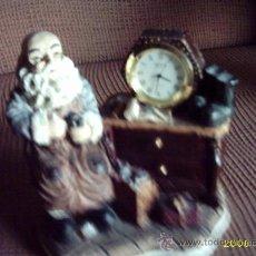 Varios objetos de Arte: ZAPATERO CON RELOJ 12X12 CMS EN PASTA Y DECORADO. Lote 20961467
