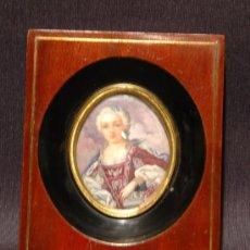 Varios objetos de Arte: MINIATURA DE MARFIL PINTADO FIRMADO. MARCO DE MADERA CON MARQUETERIA EN METAL. SXIX. Lote 16178665