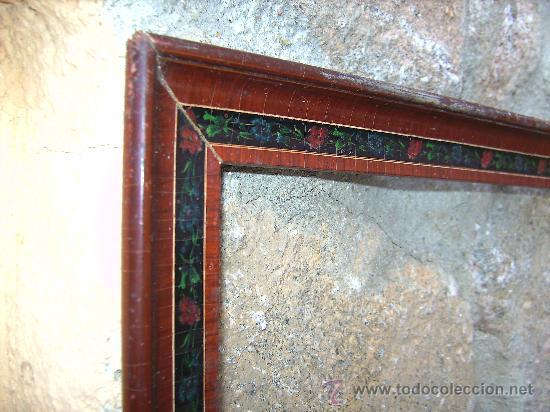 Varios objetos de Arte: ANTIGUO MARCO PARA CUADRO. MUY DECORATIVO Y PINTADO A MANO.37X54 CMS - Foto 2 - 23259303